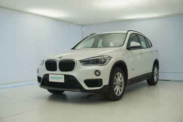 Visione frontale di BMW X1
