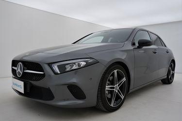 Visione frontale di Mercedes Classe A
