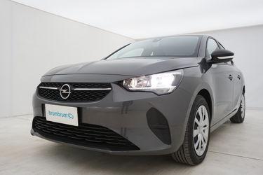 Visione frontale di Opel Corsa