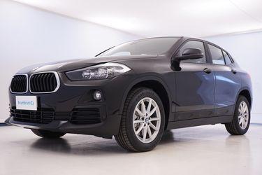 Visione frontale di BMW X2