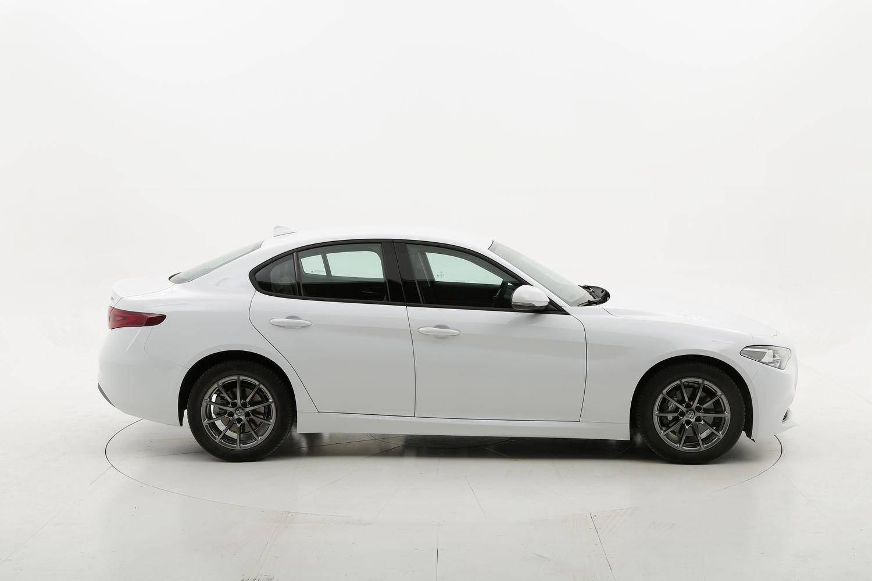 Alfa Romeo Giulia diesel bianca a noleggio a lungo termine
