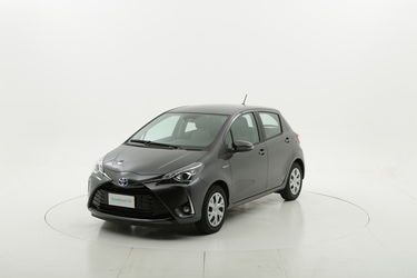 Toyota Yaris ibrido benzina  a noleggio a lungo termine
