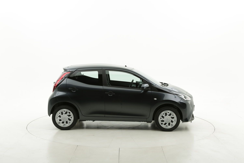 Toyota Aygo benzina antracite a noleggio a lungo termine