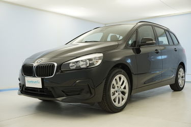 Visione frontale di BMW Serie 2
