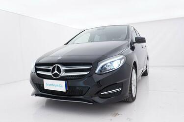 Visione frontale di Mercedes Classe B