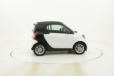 Smart Fortwo Youngster twinamic usata del 2017 con 105.767 km