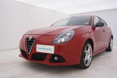 Visione frontale di Alfa Romeo Giulietta