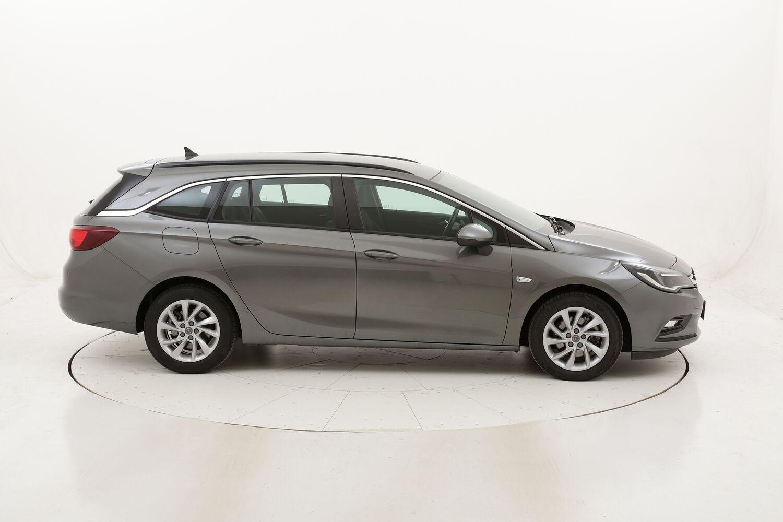 Opel Astra ST Business Aut. usata del 2018 con 98.677 km