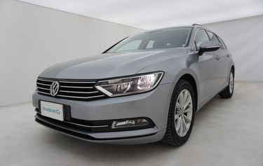 Volkswagen Passat   Da un'altra prospettiva