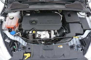 Ford Focus  Vano motore