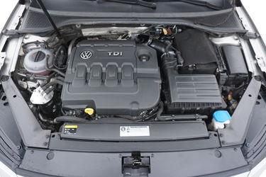 Volkswagen Passat  Vano motore