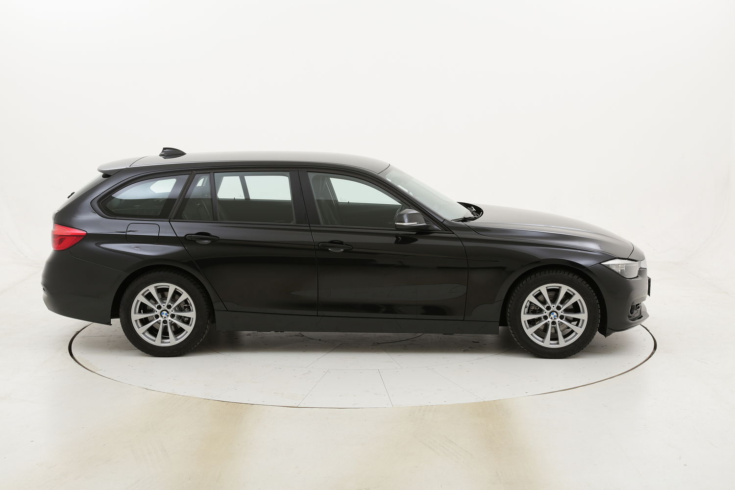 BMW Serie 3 320d Touring Business Advantage aut. usata del 2017 con 113.826 km