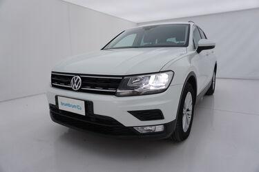 Visione frontale di Volkswagen Tiguan