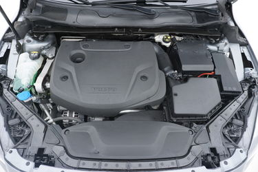 Volvo V40  Vano motore