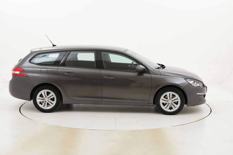 Peugeot 308 SW Business EAT6 usata del 2017 con 85.005 km
