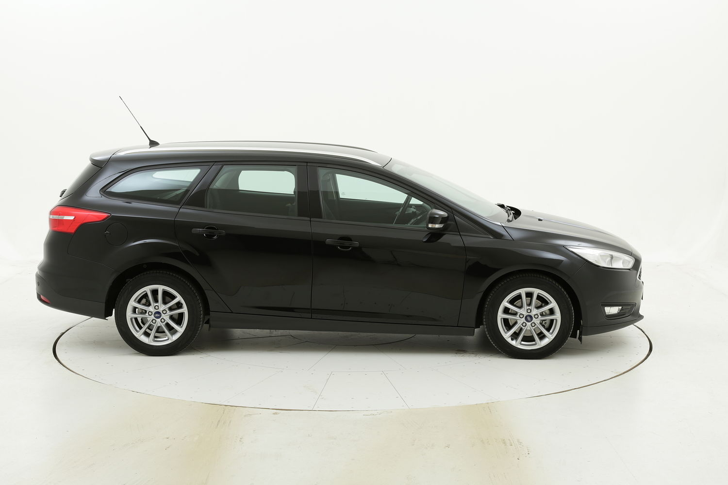 Ford Focus SW Business Powershift usata del 2016 con 75.066 km