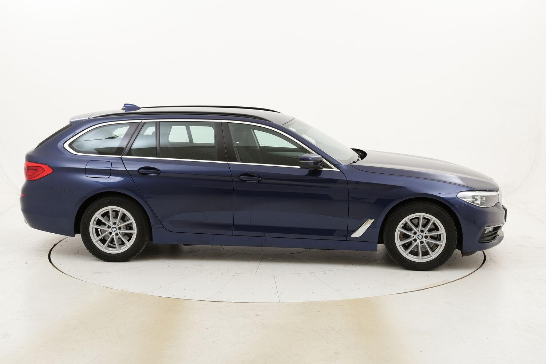 BMW Serie 5 520d Touring Business Aut. usata del 2018 con 82.167 km