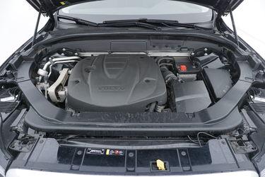 Volvo XC60  Vano motore