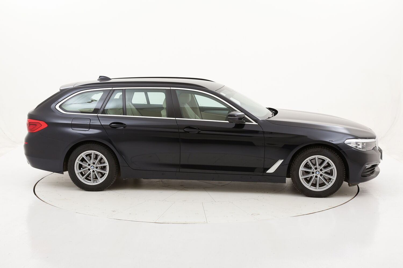 BMW Serie 5 520d xDrive Touring Business Aut. usata del 2019 con 33.111 km