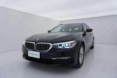 Visione frontale di BMW Serie 5