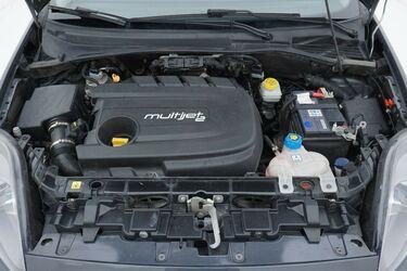 Vano motore di Fiat Punto
