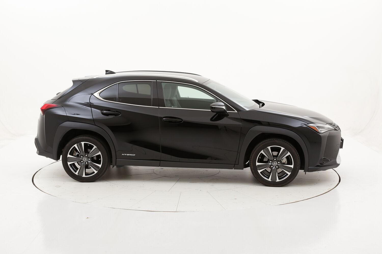 Lexus UX Hybrid Executive usata del 2019 con 18.554 km