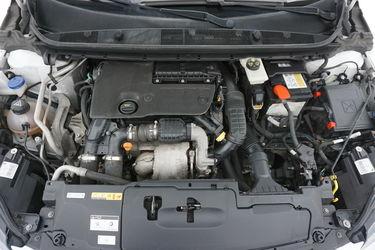 Peugeot 308    Vano motore