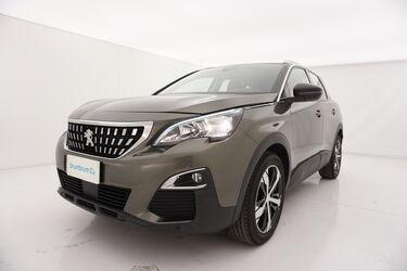 Visione frontale di Peugeot 3008