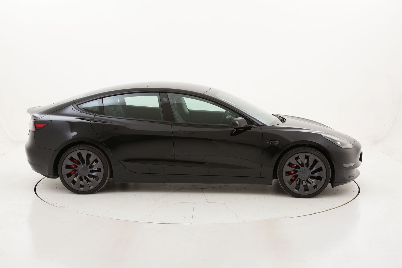Tesla Model 3 Standard elettrico antracite a noleggio a lungo termine